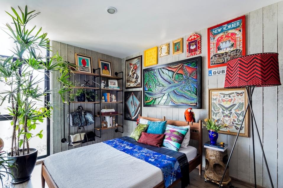 Erick Millan diseña un departamento con mucho color.