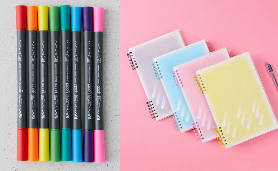 cuadernos y plumones