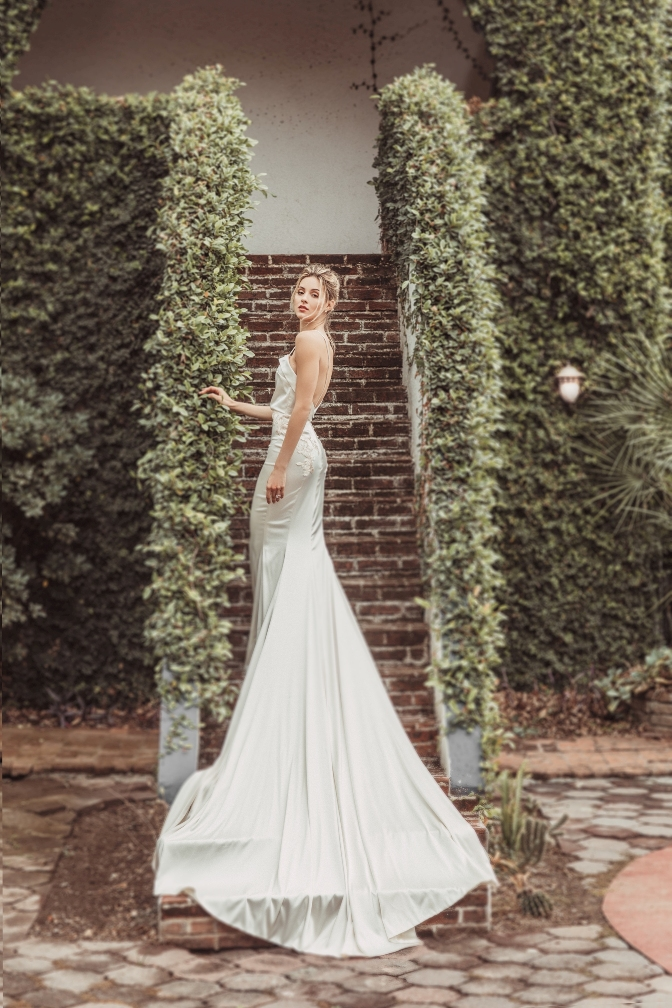 Mariana Rodríguez vestida de novia 1