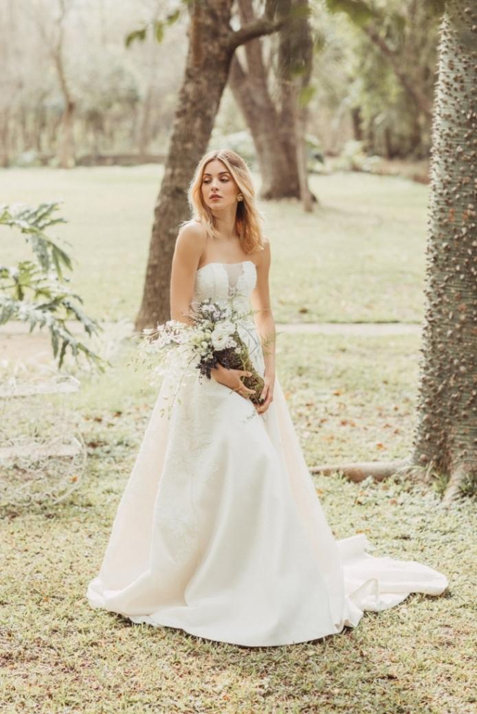 Mariana Rodríguez posa vestida de novia 2