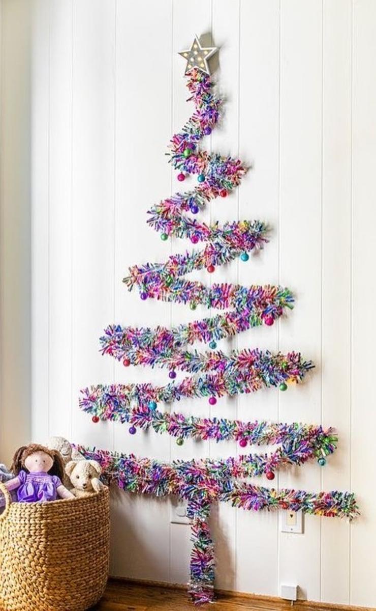 Árbol de Navidad con guirnalda