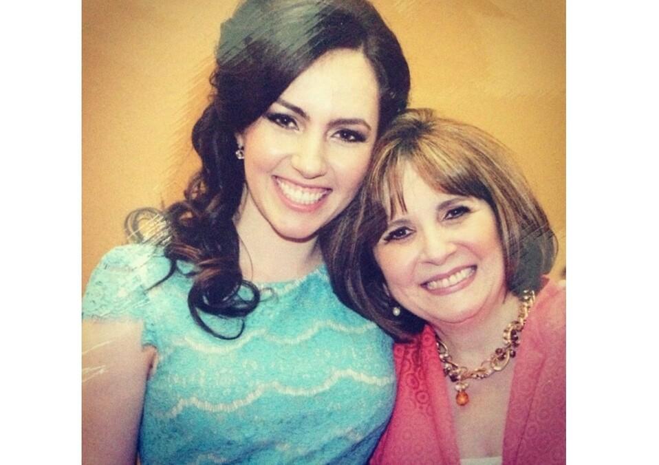 Ana María Garza  de Williamson y  Annette Williamson