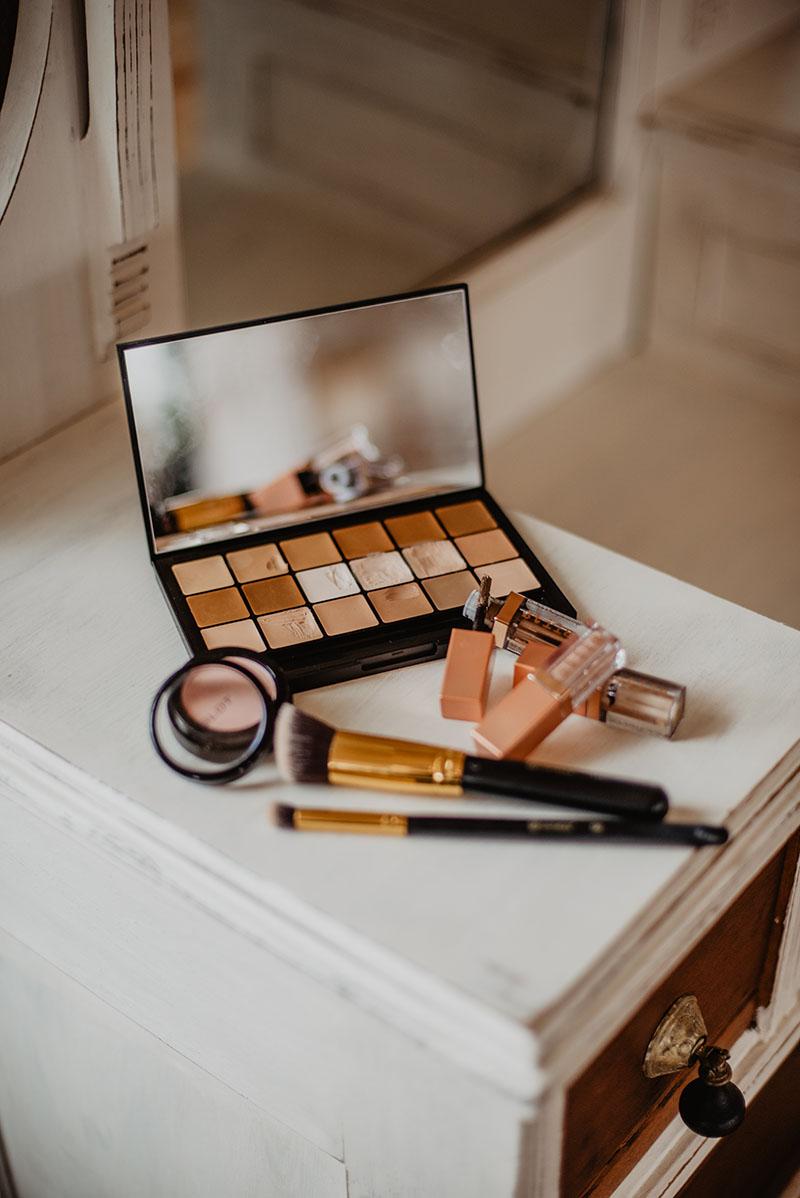 /uploads/media/2021/07/14/maquillaje-de-dia-paso-a.jpg
